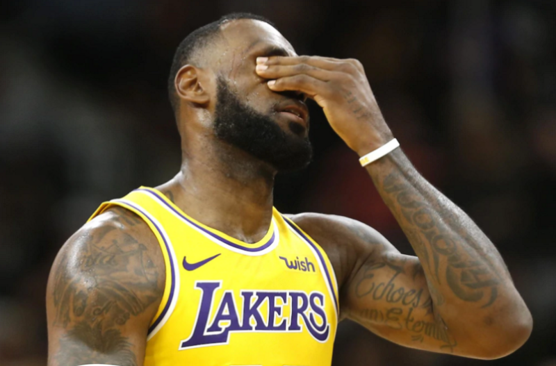 Video: Basketball Star That Supported China Over Democracy Disrespects The USA National Anthem